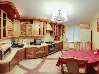 Продажа квартир: 3-комнатная квартира, Краснодар, ул. Бульварное Кольцо, 70, фото 1