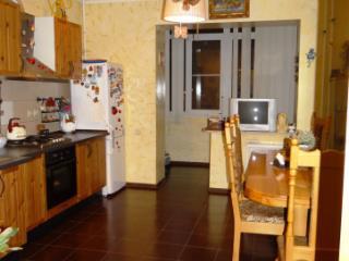 Продажа квартир: 3-комнатная квартира, Краснодар, Черкасская ул., 71, фото 1