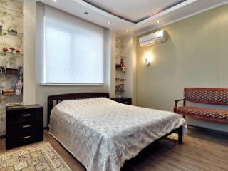 Продажа квартир: 3-комнатная квартира, Краснодар, Кожевенная ул., 28, фото 1