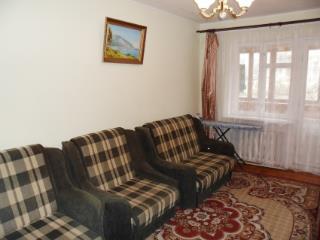 Продажа квартир: 2-комнатная квартира, республика Крым, Ялта, пгт. Гаспра, ул. Алупкинское шоссе, 60, фото 1