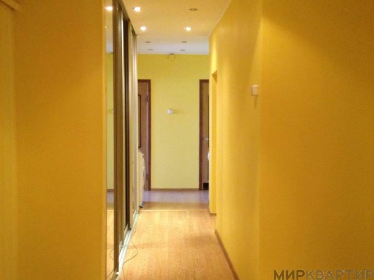 Снять 3 комнатную квартиру по адресу: Салехард г ул Обская 33
