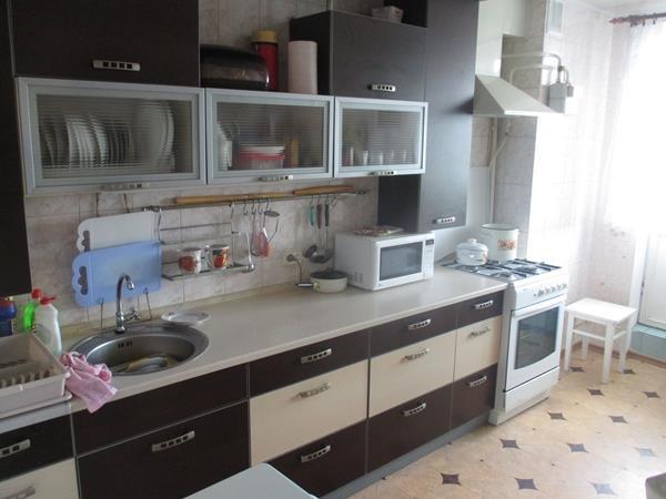 Продажа квартир: 3-комнатная квартира, республика Крым, Саки, Интернациональная ул., 41, фото 1