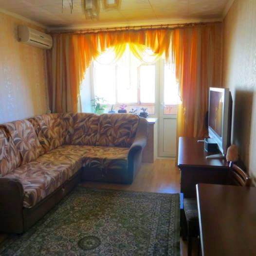Продажа квартир: 2-комнатная квартира, Краснодарский край, Горячий Ключ, ул. Ленина, 195б, фото 1
